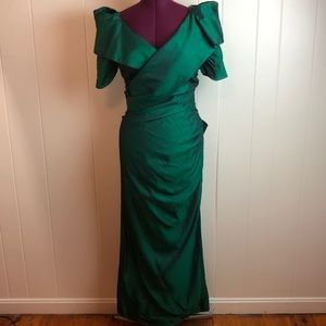 Vintage 80s/90s Emerald Green V Neck Prom Gown
